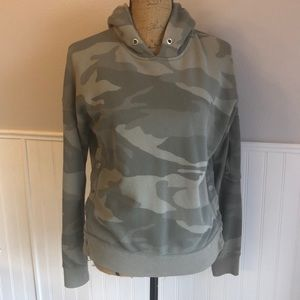 Abercrombie and Fitch camo sweatshirt size xs